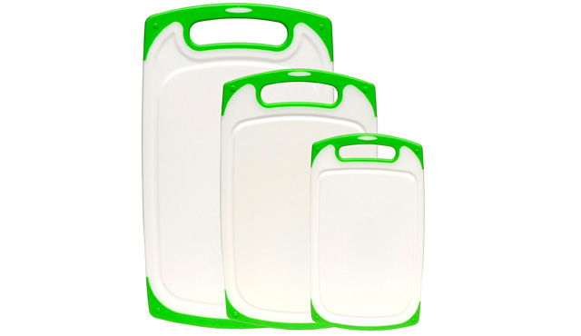 8. Dutis 3-Piece Dishwasher Safe Plastic Cutting Board Set