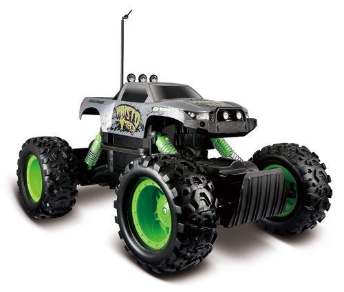 3. Maisto R/C Rock Crawler Radio Control Vehicle
