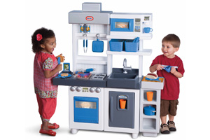 The Best Play Kitchen Sets For That Special Little Chef In Your Life