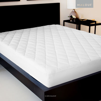 4. Quilted Gelled Microfiber Queen Mattress Pad by SLEEP TITE