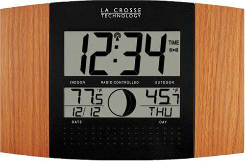 #4. La Crosse Technology WS-8117U-IT-OAK Atomic Wall Clock